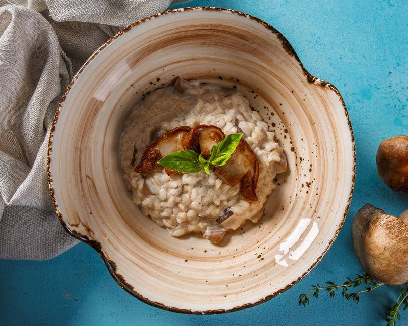Ризотто с белыми грибами и сливочным соусом