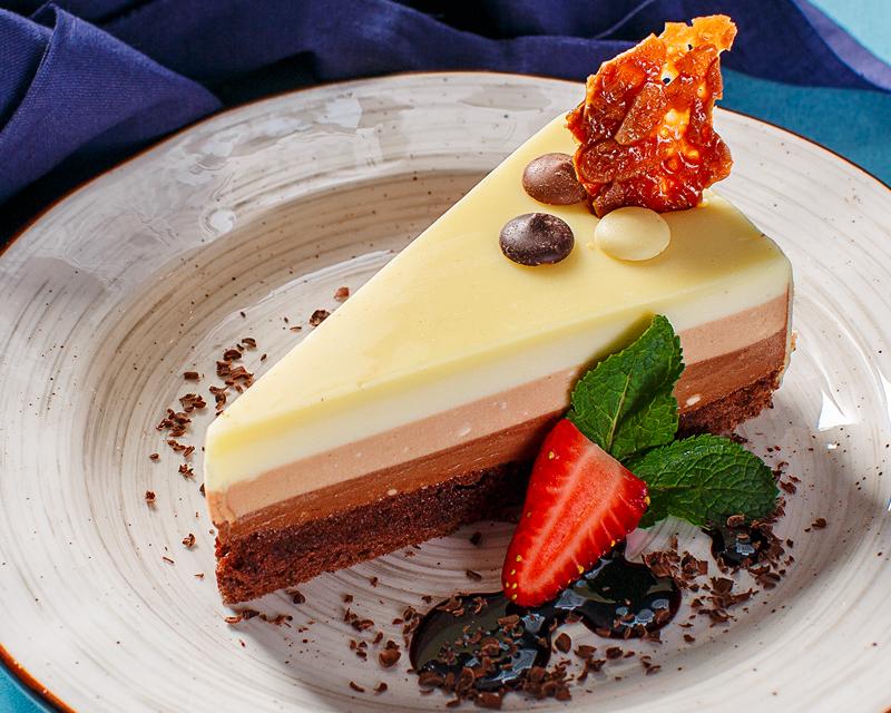 Пирожное «Три шоколада»